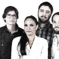 Teresa Cristina + Os Outros = Roberto Carlos