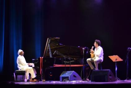 Hamilton de Holanda e o pianista cubano Omar Sosa