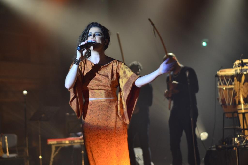 Giana Viscardi no palco do Sesc Pompeia. 10.10.2013