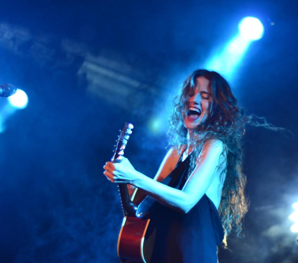 Ana Canãs no palco do Sesc Belenzinho. 3.1.2014