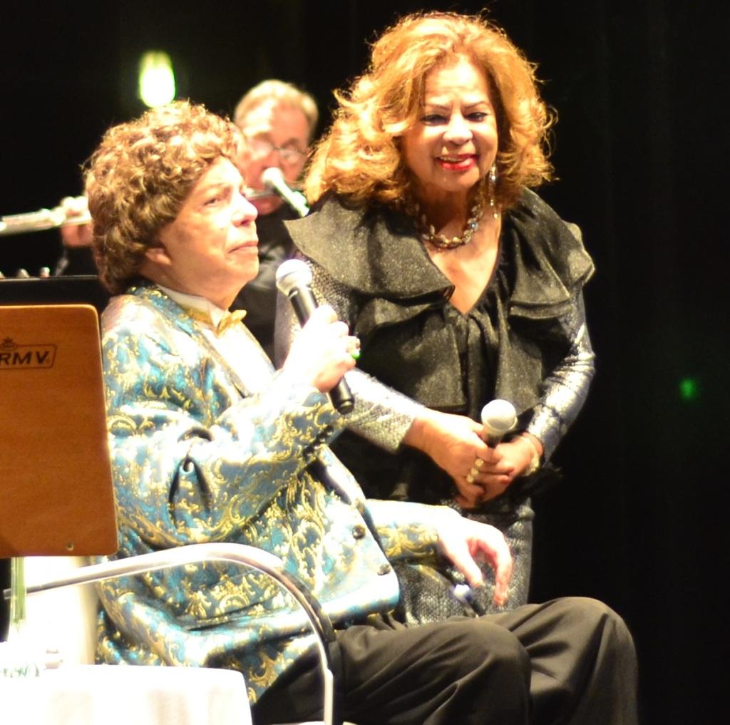 Angela Maria e Cauby Peixto no palco do Sesc Vila Mariana (Foto: Alexandre Eça)
