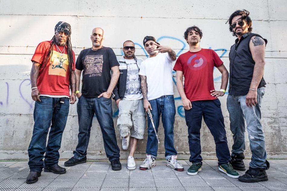 A banda britânica Asian Dub Foundation (Foto: Divulgação)