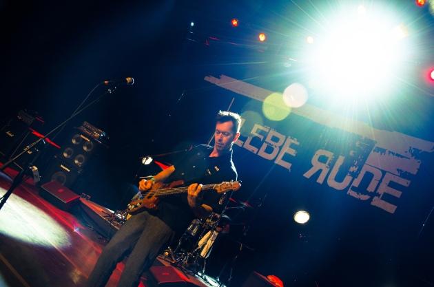 plebe_rude_alexandre_eça-3-2