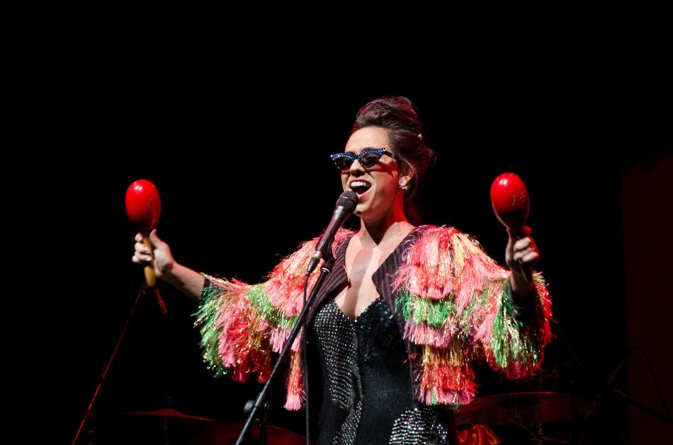 Silvia Machete no palco do Sesc Belenzinho (Foto: Alexandre Eça)