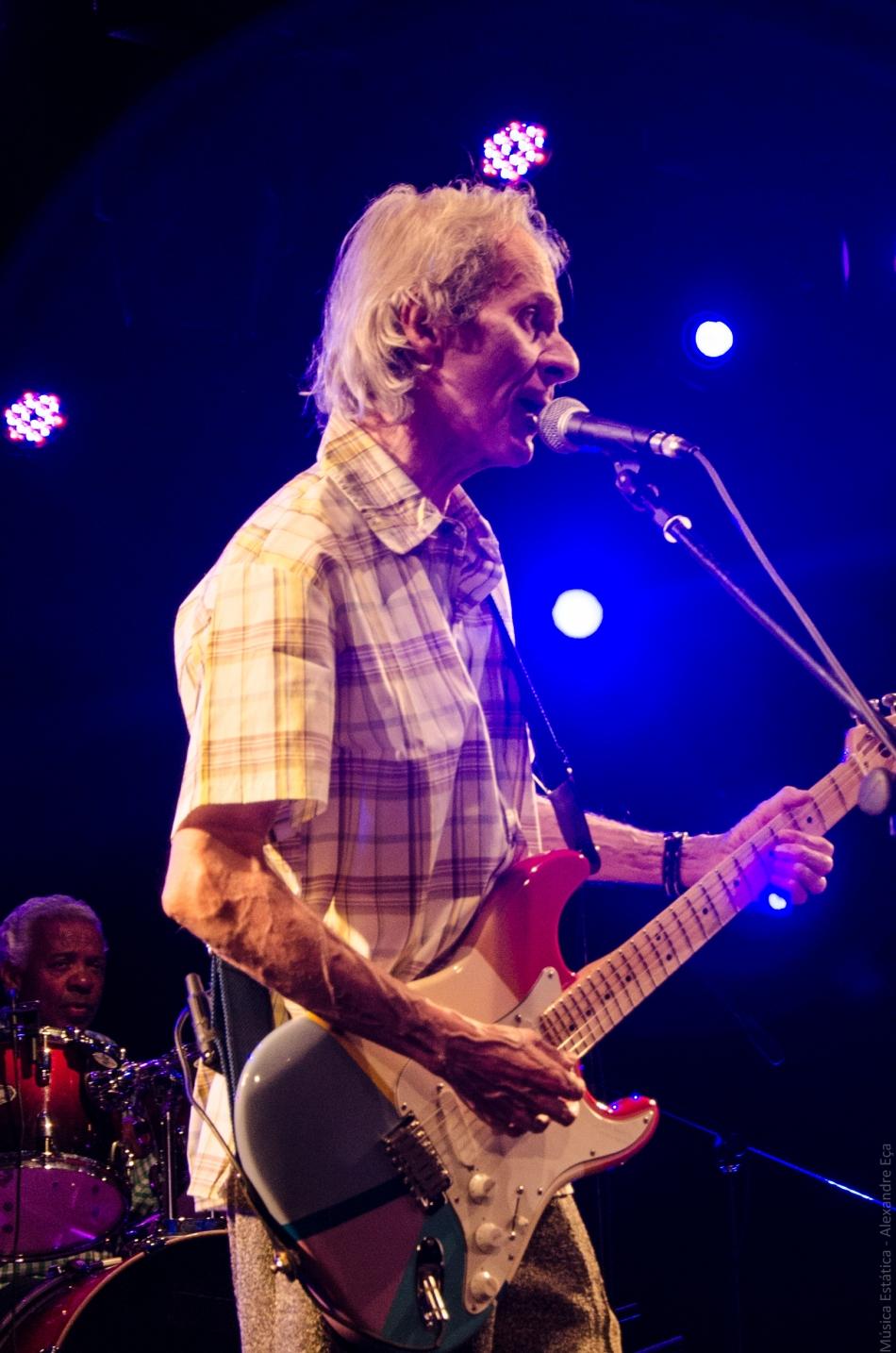 Beto Guedes no palco da Comedoria Sesc Belenzinho (Foto Alexandre Eça)