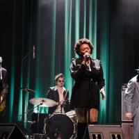 FOTO: Cantora norte-americana Jai Malano em São Paulo