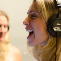 Atriz Letícia Spiller é uma das convidadas do novo álbum de Pélico