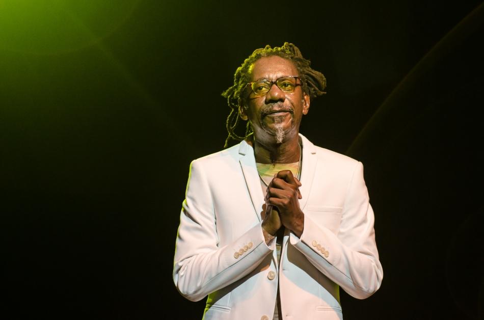 Luiz Melodia no palco do Teatro Sesc Vila Mariana (Foto Alexandre Eça)