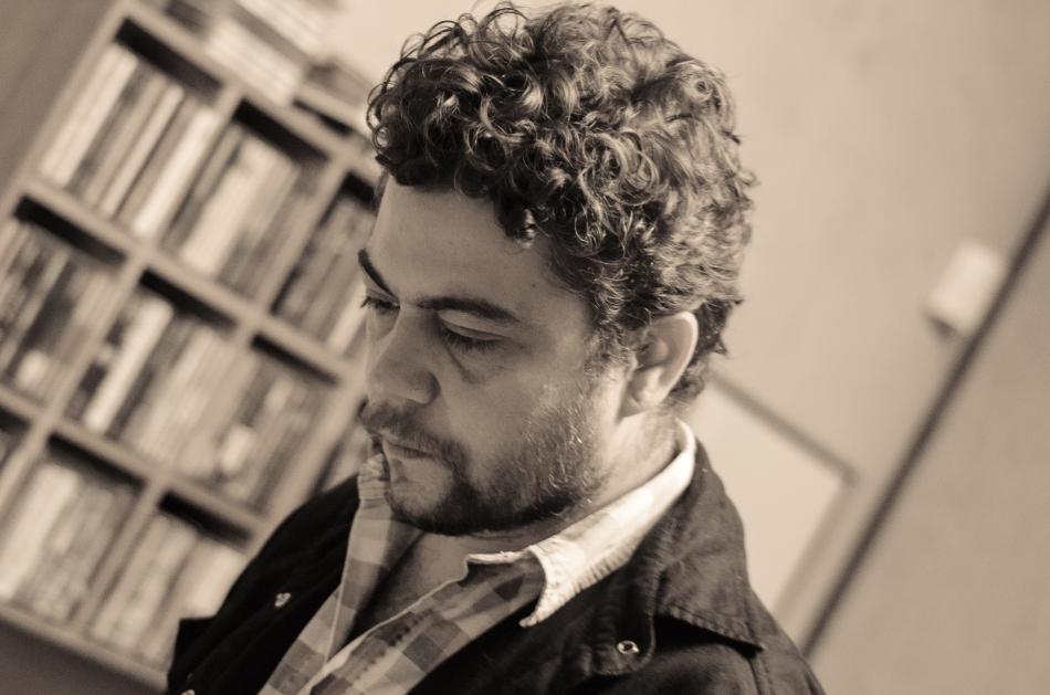 O cantor e compositor Pélico nas sessões de gravação do seu novo álbum (Foto Alexandre Eça)