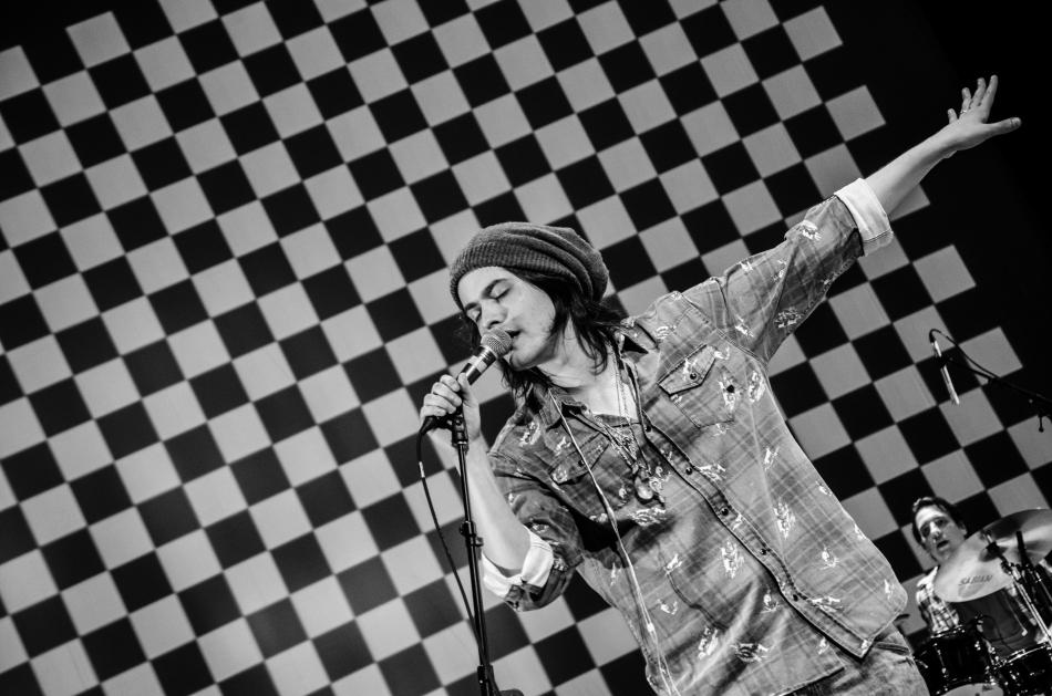 O cantor gaúcho Filipe Catto (Foto Alexandre Eça)