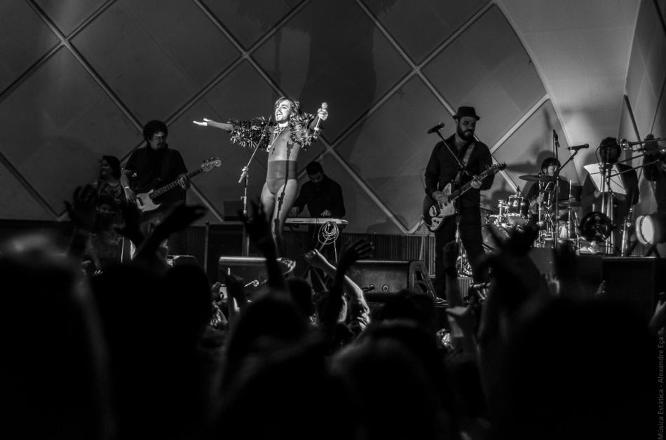 Johnny Hooker no palco do Cine Joia (Foto Alexandre Eça)