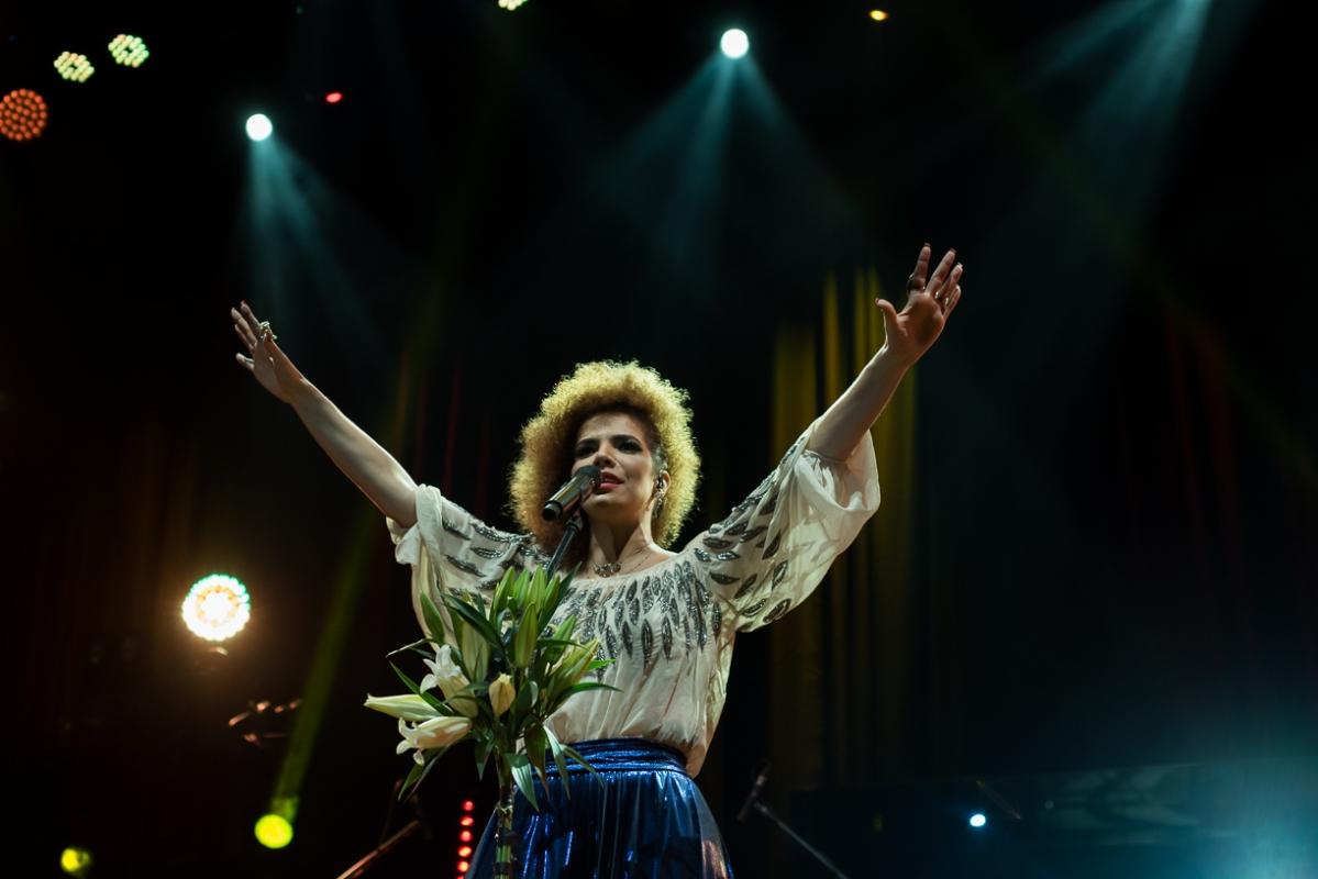 Com inéditas no roteiro, Vanessa da Mata estreia novo show em São Paulo