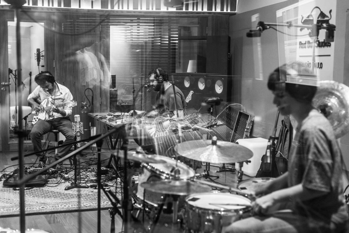 Elza Soares prepara novo disco. Gravações começaram em dezembro em São Paulo.