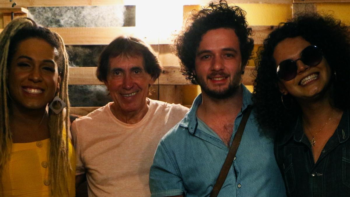 """Com participação d´As Bahias e a Cozinha Mineira, """"Chumbo Grosso"""" anuncia novo disco de Odair José"""